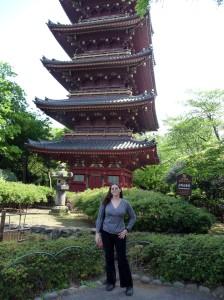 Jenifer DeLemont in Japan